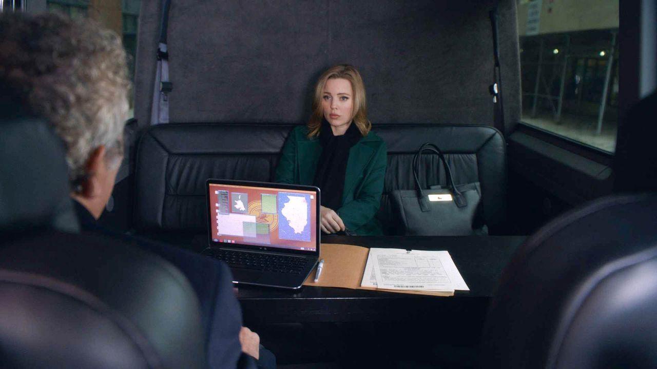 Ein Agent bringt Marilyns (Melissa George) Nachforschungen erst einmal zum Erliegen ... - Bildquelle: 2014 CBS Broadcasting, Inc. All Rights Reserved