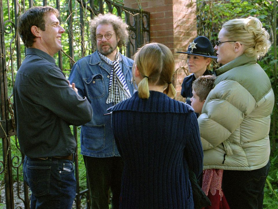 Drehpause: (v.l.n.r.:) Dennis Quaid, Regisseur Mike Figgis, Dana Eskelson und Sharon Stone - Bildquelle: Buena Vista Pictures Distribution. All Rights Reserved.