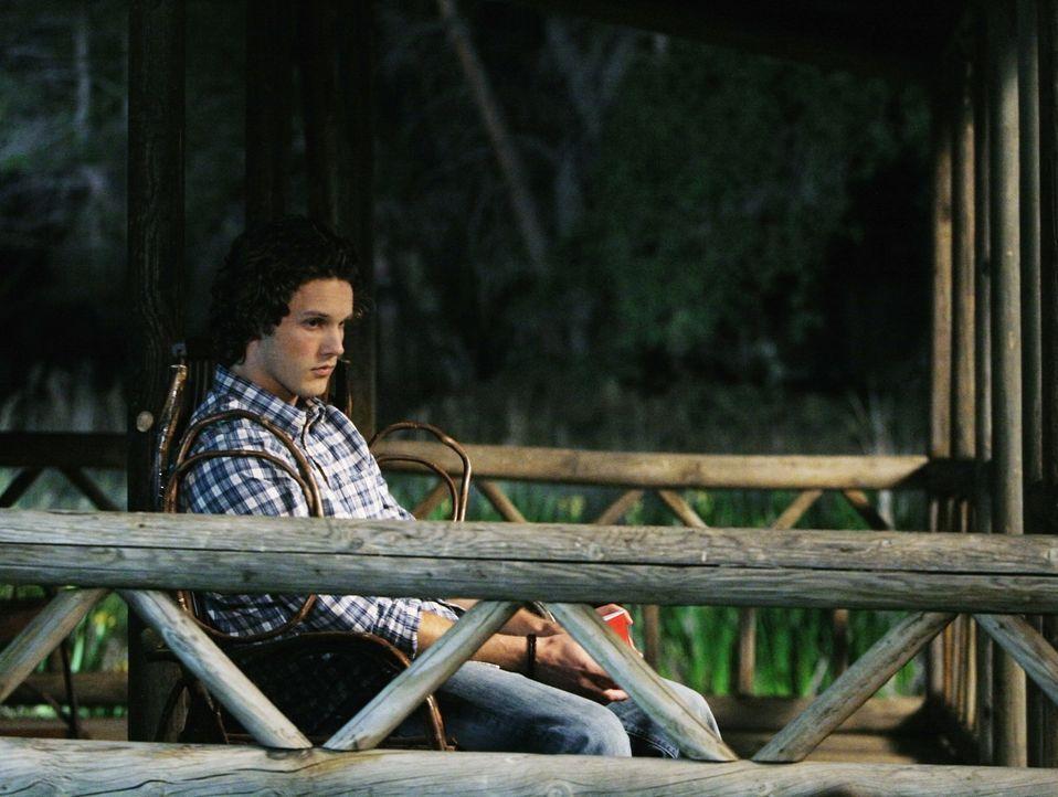 Kaylie und Carter (Zachary Abel) haben beschlossen, eine Art Beziehungspause zu machen, worüber er alles andere als glücklich ist ... - Bildquelle: 2009 DISNEY ENTERPRISES, INC. All rights reserved. NO ARCHIVING. NO RESALE.