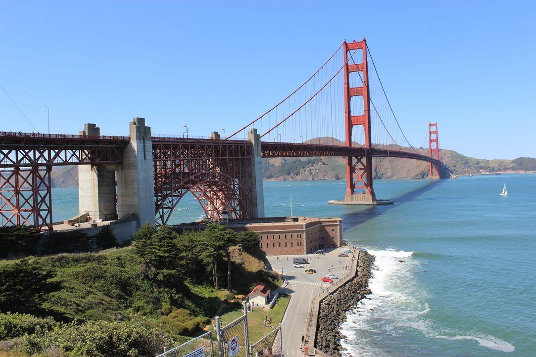 Nur wenige Touristen und auch Einheimische kennen die ganze Geschichte der Golden Gate Bridge, obwohl diese einiges zu bieten hat ... - Bildquelle: Indigo Films/ DCL