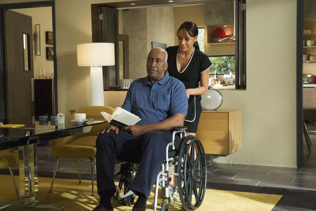 Weder Rosie (Dania Ramirez, r.), noch Kenneth (Willie C. Carpenter, l.) ahnen, was hinter ihren Rücken für Intrigen gesponnen werden ... - Bildquelle: 2014 ABC Studios
