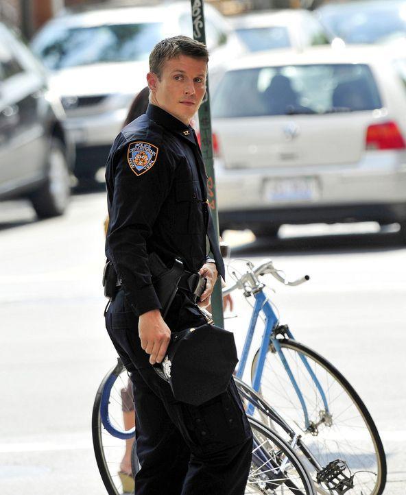 Erst wenige Tage im Polizeidienst muss Jamie Reagan (Will Estes) erkennen, dass er noch viel lernen muss, um ein erfolgreicher Cop werden zu können... - Bildquelle: 2010 CBS Broadcasting Inc. All Rights Reserved
