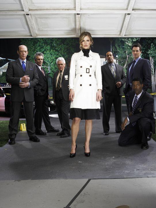 (2. Staffel) - Gemeinsam bringen sie jeden Fall zum Abschluss: Deputy Chief Brenda Leigh Johnson (Kyra Sedgwick, vorne) und ihr Team (v.l.n.r.) Sgt.... - Bildquelle: Warner Brothers