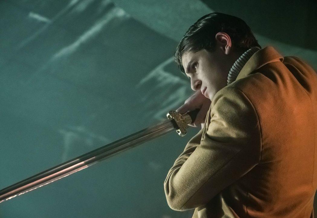 Verbrechen und Gewalt regieren Gotham: Während sich Gordon und Bullock sich auf die Suche nach Strange machen, um das Gegenmittel von ihm zu bekomme... - Bildquelle: Warner Brothers