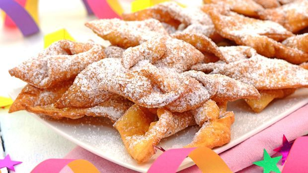 Silvesteressen_2015_10_30_Dessert für Silvester_Schmuckbild_fotolia_Printemps