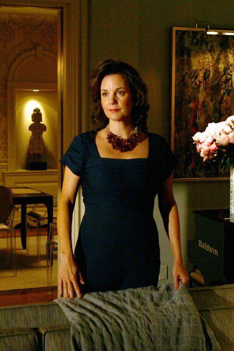 Eleanor (Margaret Colin), Blairs Mutter, erfährt von ihrer Tochter, dass Cyrus seine Ex- Frau betrogen hat. - Bildquelle: Warner Brothers