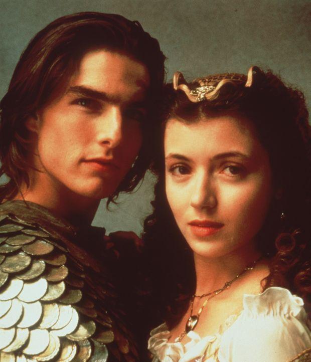 Werden Jack (Tom Cruise, l.) und Lili (Mia Sara, r.) das größte Abenteuer ihres Lebens gut überstehen? - Bildquelle: Universal Pictures