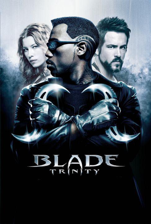 Gemeinsam nehmen sie den Kampf gegen Graf Dracula auf: Blade (Wesley Snipes, M.), Abigail Whistler (Jessica Biel, l.) und Hannibal King (Ryan Reynol... - Bildquelle: New Line Cinema