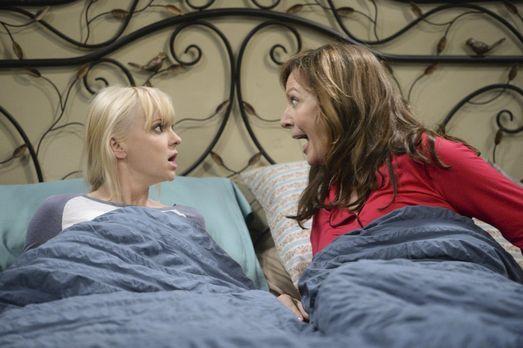 Mom - Werden sich Christy (Anna Faris, l.) und Bonnie (Allison Janney, r.) zu...