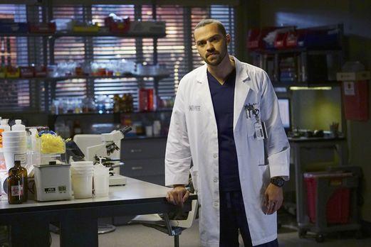 Grey's Anatomy - Erfährt von Aprils Schwangerschaft: Jackson (Jesse Williams)...