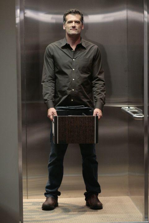Sein Entschluss steht fest: Stephen (Bruce Thomas) verlässt Madacorp ... - Bildquelle: TOUCHSTONE TELEVISION