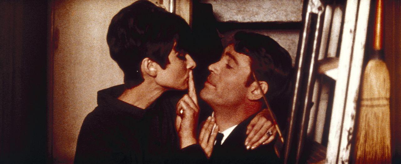 Nicole (Audrey Hepburn, l.) verliebt sich in Simon Dermott (Peter O'Toole, r.), der sich einen irrwitzigen Plan ausdenkt ...