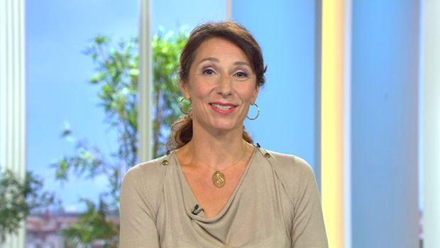 fruehstuecksfernsehen-kirsten-hanser-astrologie-27062012 - Bildquelle: SAT.1