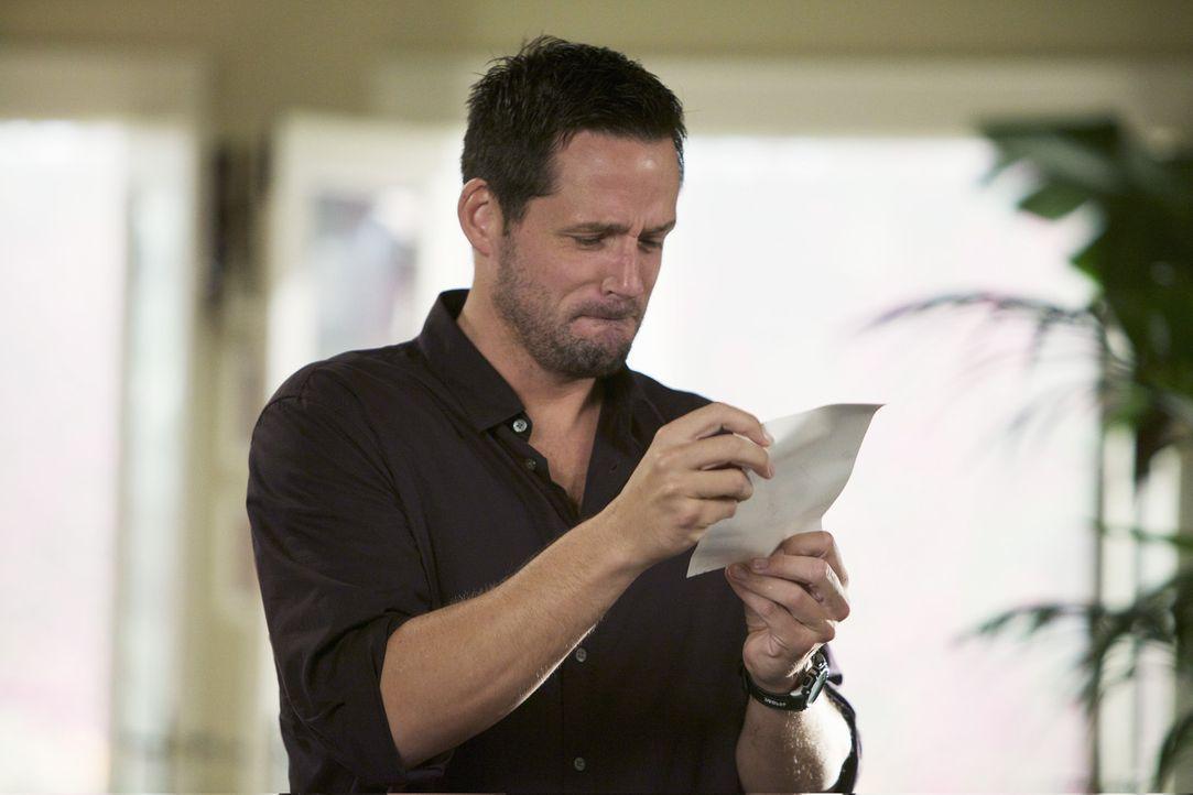 Hofft, dass schönste Geschenk für Jules zu haben: Grayson (Josh Hopkins) ... - Bildquelle: 2010 ABC INC.