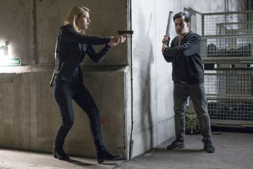 Homeland - Kann Carrie (Claire Danes, l.) den Anschlag der Terroristen mit Sa...