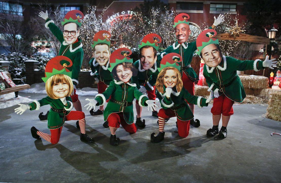 Ein Weihnachtsfest der besonderen Art: (v.l.n.r.) Mikayla (Lulu Wilson), Adam (Nelson Franklin), Kip (Sean Hayes), Carol (Margo Martindale), Nathan... - Bildquelle: 2014 CBS Broadcasting, Inc. All Rights Reserved.