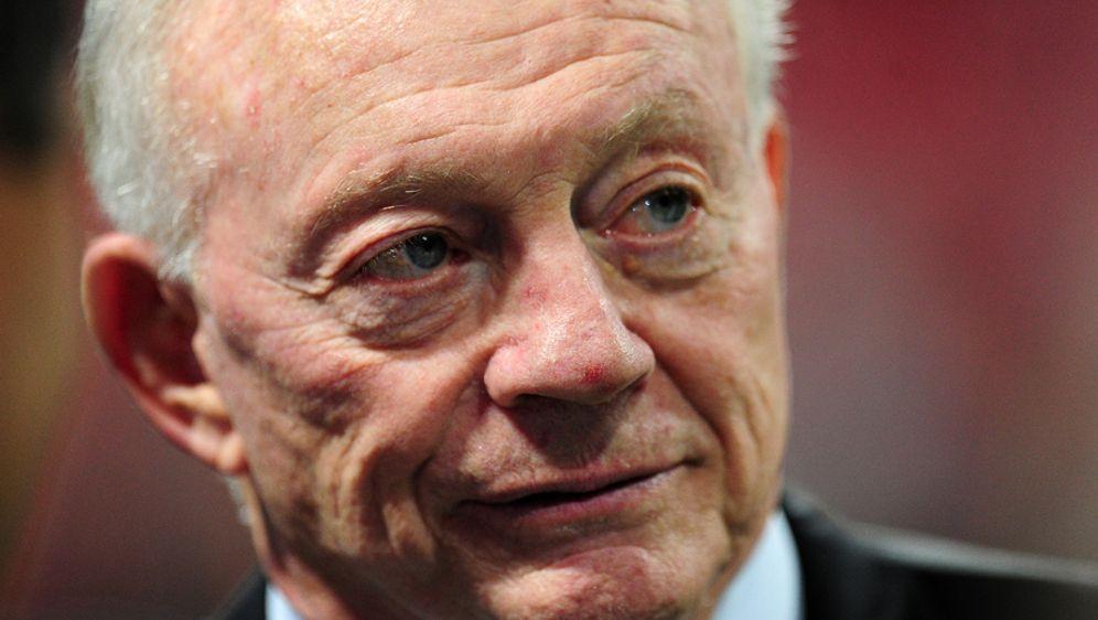 Jerry Jones, Besitzer der Dallas Cowboys, könnte unter Druck geraten - Bildquelle: 2017 Getty Images