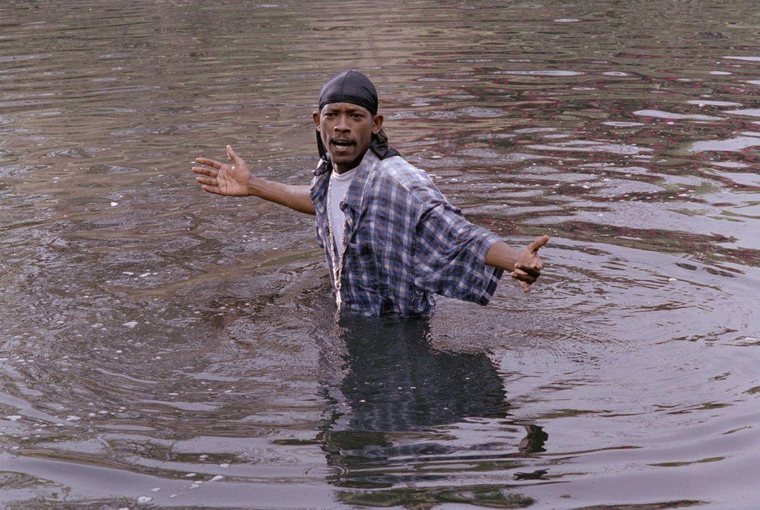 Das Wasser steht ihm bis zum Hals: K-Ro (Kurupt) ... - Bildquelle: 2003 Sony Pictures Television International. All Rights Reserved.