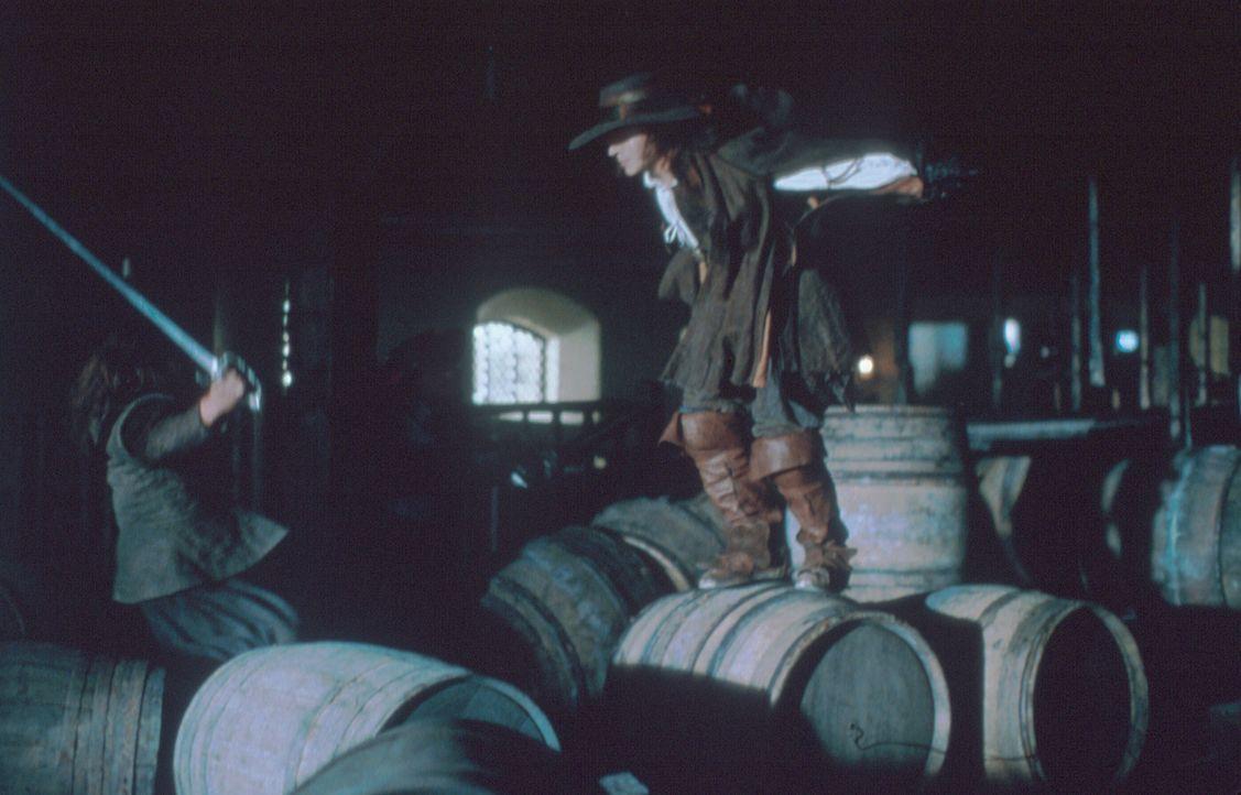 Auf in den Kampf: Musketier D'Artagnan (Justin Chambers, r.) ... - Bildquelle: MDP Worldwide