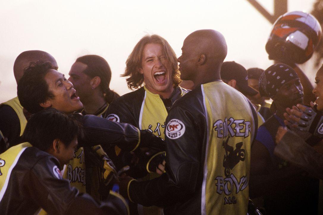 Fahren einen fulminanten Sieg ein: (v.l.n.r.) Flip (Dion Basco), Philly (Dante Basco), Stuntman (Brendan Fehr) und Kid (Derek Luke) ? - Bildquelle: DreamWorks SKG