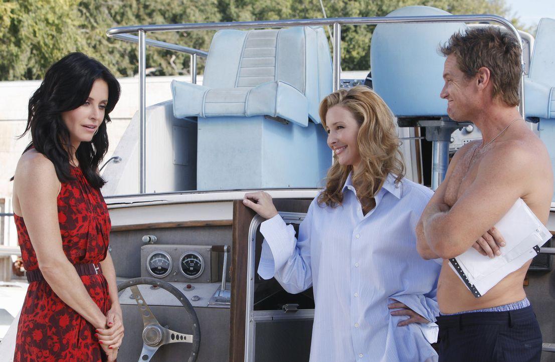 Jules (Courteney Cox, l.) würde am liebsten im Boden versinken - jetzt ist die böse Ärztin (Lisa Kudrow, M.) auch noch Bobbys (Brian Van Holt, r.... - Bildquelle: 2009 ABC INC.
