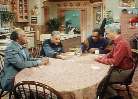 Bill Cosby Show - Cliff (Bill Cosby, 2.v.r.) und Professor Foster (Roscoe Lee...