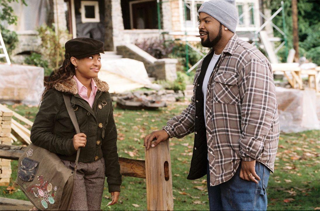 Nicks (Ice Cube, r.) Plan ist schließlich aufgegangen.Die attraktive Suzanne heiratet ihn. Doch um Suzannes beiden Kindern (Aleisha Allen, l.) ein... - Bildquelle: 2007 Revolution Studios Distribution Company, LLC. All Rights Reserved.