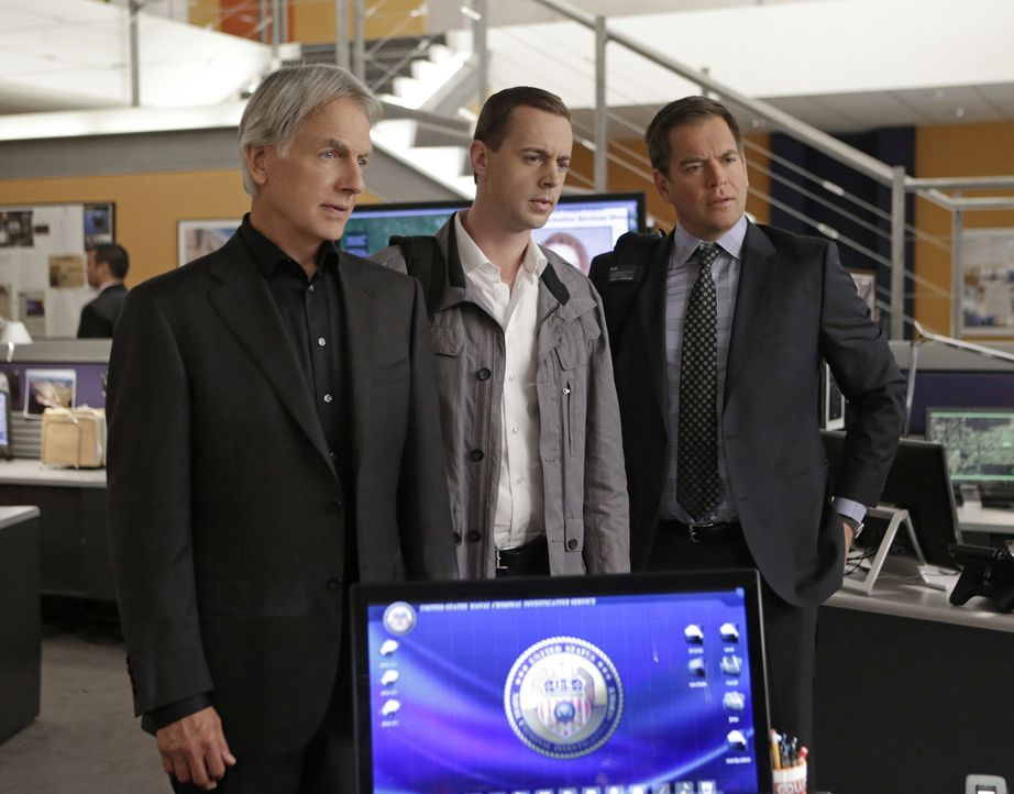 Ein neuer Fall wartet auf Gibbs (Mark Harmon, l.), McGee (Sean Murray, M.) und Tony (Michael Weatherly, r.) ... - Bildquelle: Sonja Flemming CBS Television