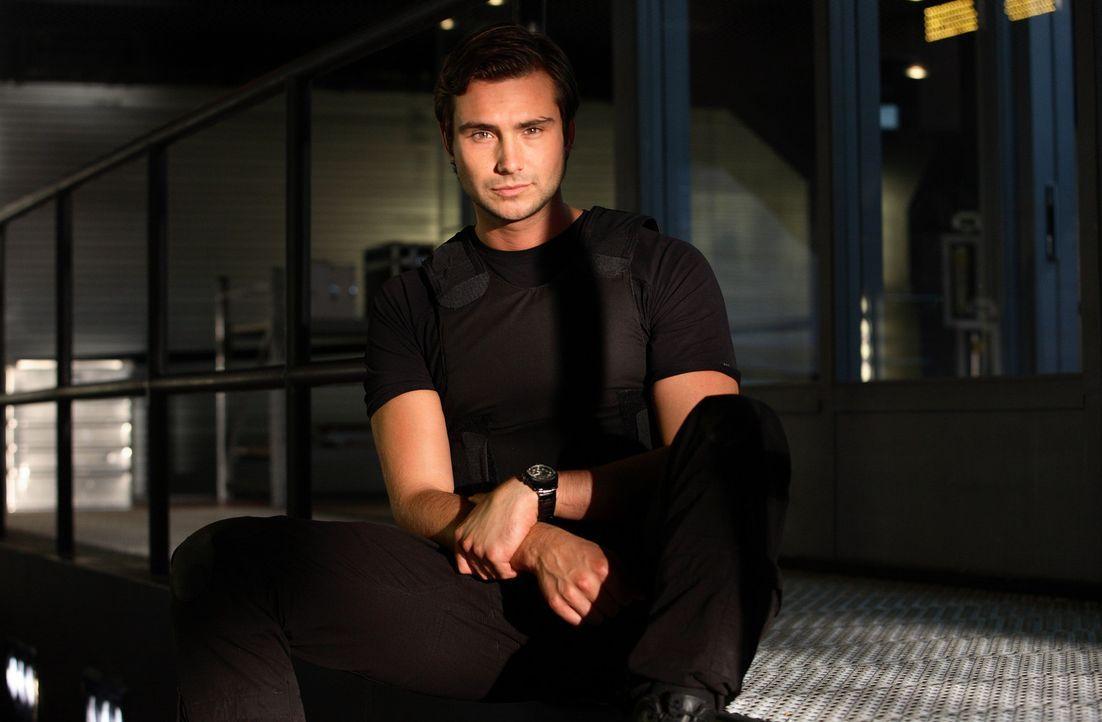 (4. Staffel) - Ist nach wie vor für die Sicherheit im ARC verantwortlich: Captain Becker (Ben Mansfield) ... - Bildquelle: ITV Plc