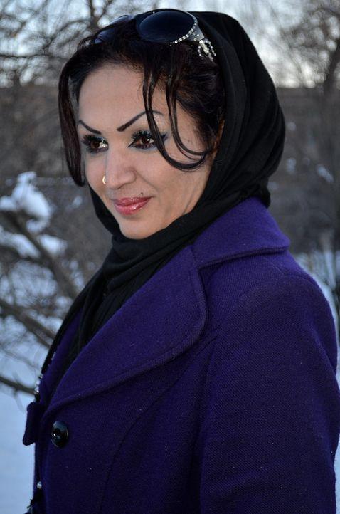 Keine typische afghanische Frau: Saba versprüht Hollywood Glamour in Kabul-Style. Aber auch sie hat beim Verlassen ihres Hauses täglich Angst, ihre... - Bildquelle: Quicksilver Media 2012