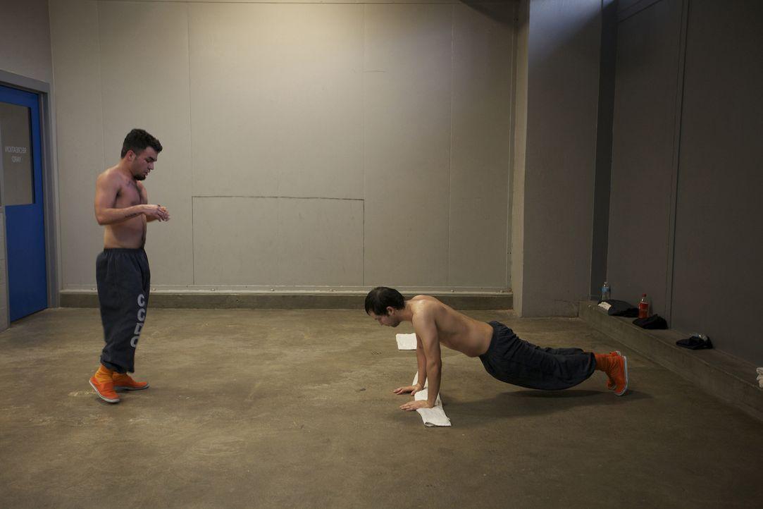 Hartes körperliches Training hält die Häftlinge fit und lässt die Zeit hinter Gittern etwas schneller vergehen ... - Bildquelle: Bryan Harvey National Geographic Channels