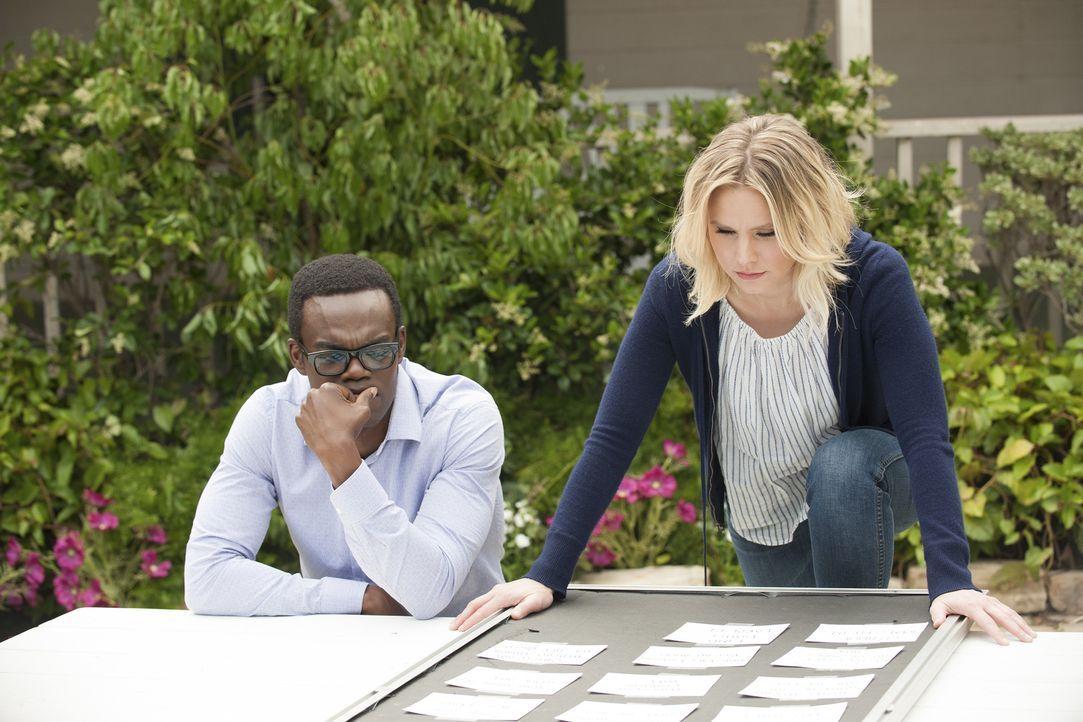 """Als Chidi (William Jackson Harper, l.) und Eleanor (Kristen Bell, r.) erkennen, dass in dem angeblichen """"Good Place"""" etwas nicht stimmt, wollen sie... - Bildquelle: Colleen Hayes 2017 Universal Television LLC. ALL RIGHTS RESERVED."""