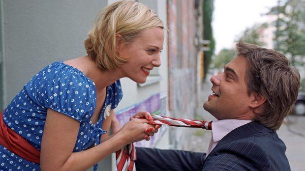 Eva Hassmann als Johanna Thalbach, Raphaël Vogt als Kai Brechtel in