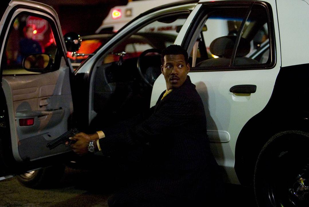 Auf der Suche nach einem gefährlichen Heckenschützen: Sgt. Gabriel (Cory Reynolds) ... - Bildquelle: Warner Bros. Television