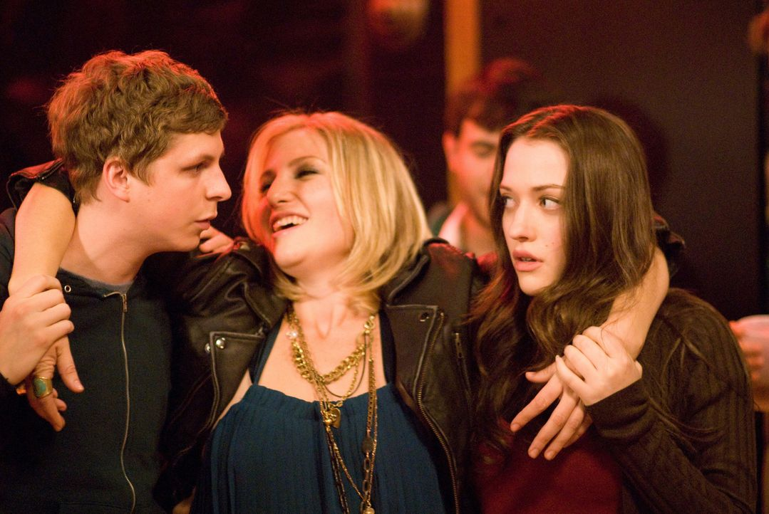 Nick (Michael Cera, l.) ist total frustriert, denn seine Ex will nichts mehr von ihm. Da laufen ihm auf einer Party Norah (Kat Dennings, r.) und Car... - Bildquelle: 2008   CPT Holdings, Inc. All Rights Reserved. (Sony Pictures Television International)