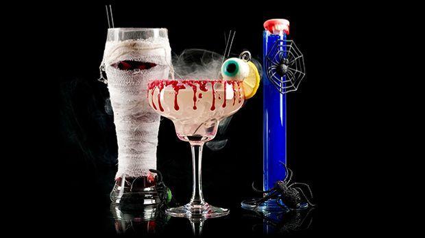 das sind die verr cktesten halloween cocktails sat 1 ratgeber. Black Bedroom Furniture Sets. Home Design Ideas