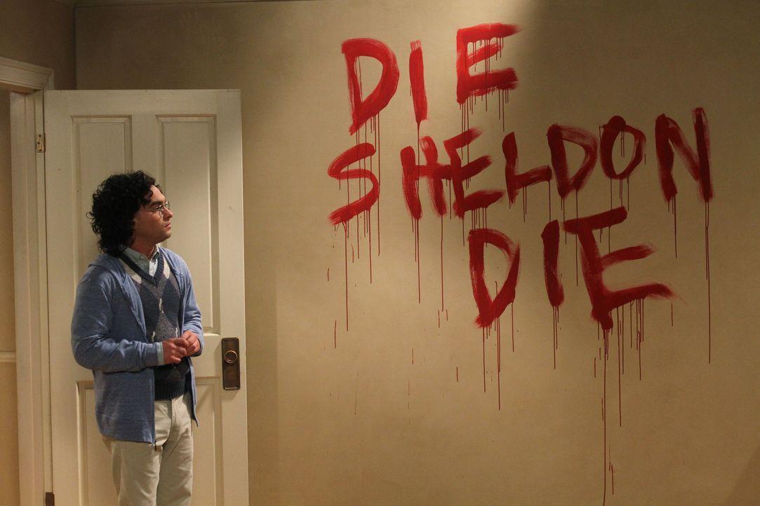 Leonard (Johnny Galecki) erzählt Penny die Geschichte, wie er Sheldon kennengelernt hat und wie die beiden zu Mitbewohnern geworden sind. Dabei kl - Bildquelle: Warner Bros. Television