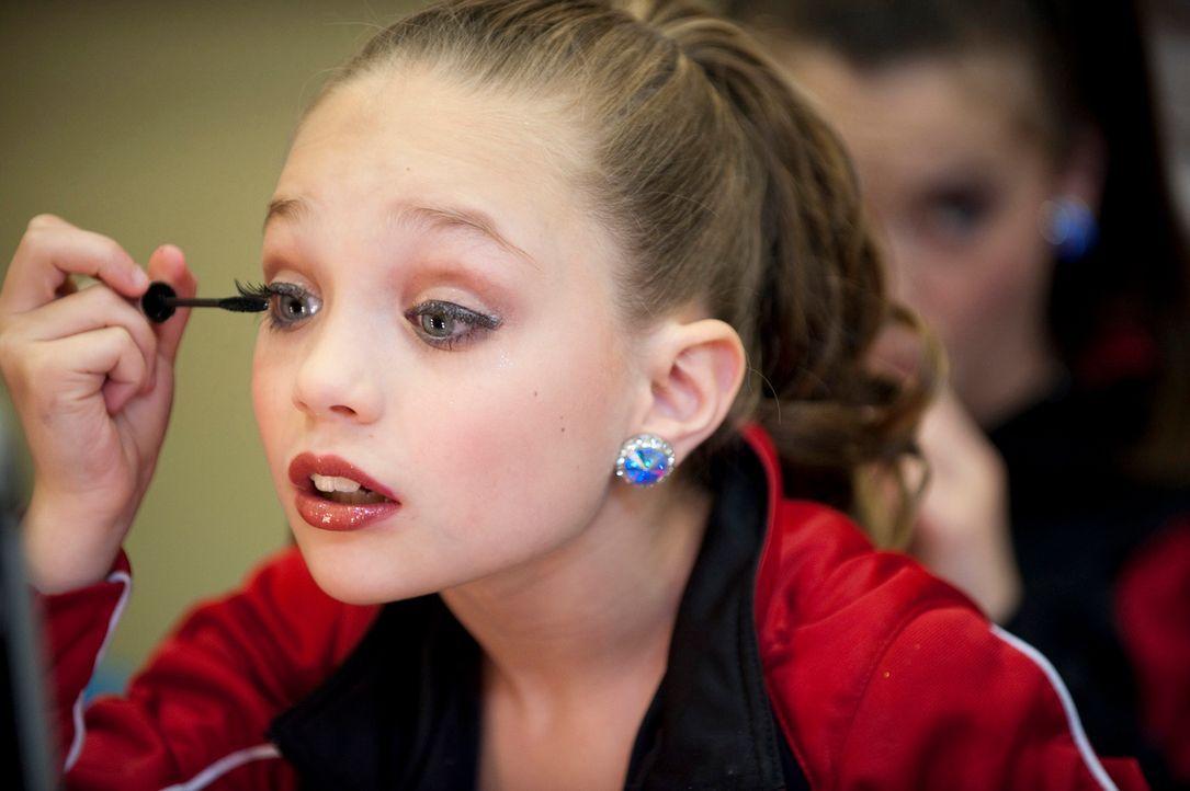 Der nächste Wettbewerb in Las Vegas steht bevor. Wie wird Maddie reagieren, wenn sie erfährt, dass sie diesmal kein Solo tanzen darf? - Bildquelle: 2011 A&E Television Networks, LLC. All rights reserved.