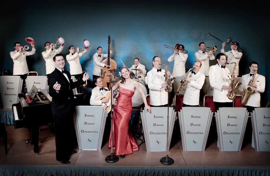 Eine-der-besten-Swing-Big-Bands-Deutschlands-das-Swing-Dance-Orchestra-wird-am-8.-Juli-den-Gendarmenmarkt-zum-swingen-bringen-(c)-Uwe-Hauth