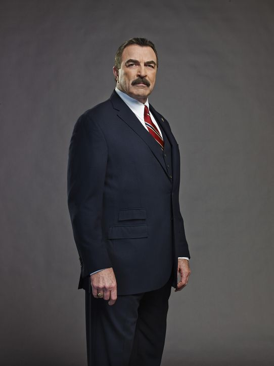 (4. Staffel) - Schon sein Vater Henry hatte den Job als New Yorker Polizei Chef ehe er in Ruhestand ging. Für Frank (Tom Selleck) ist es eine Ehre,... - Bildquelle: 2013 CBS Broadcasting Inc. All Rights Reserved.