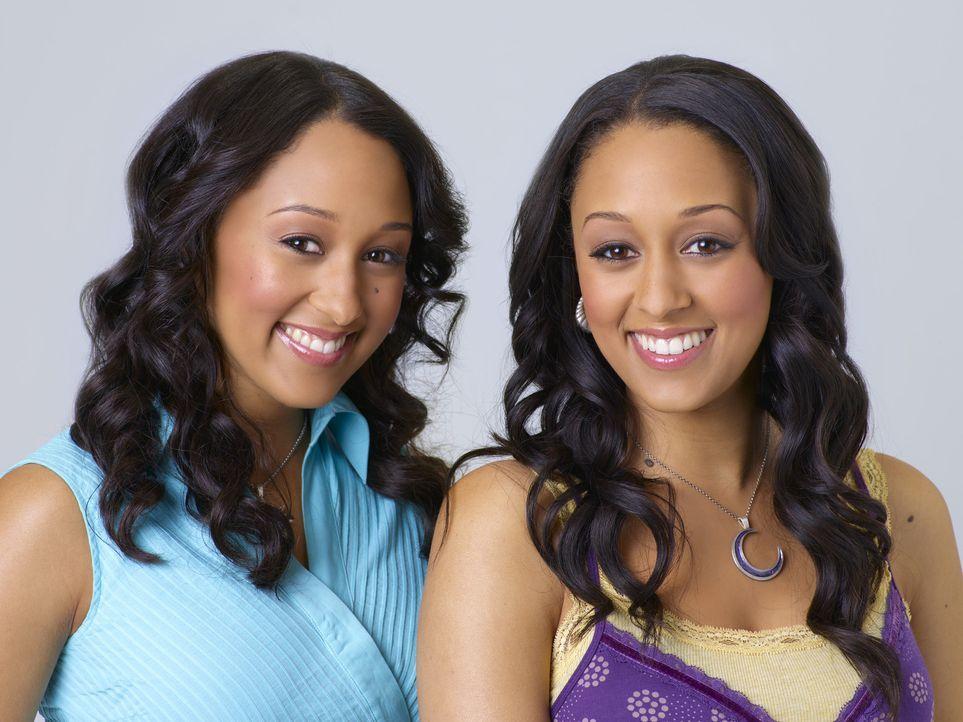 Auf der Suche nach ihrem Vater begeben sich die Zwillingshexen Camryn (Tamera Mowry, l.) und Alex (Tia Mowry, r.) ins Schattenland des magischen Kö... - Bildquelle: Disney - ABC - ESPN Television