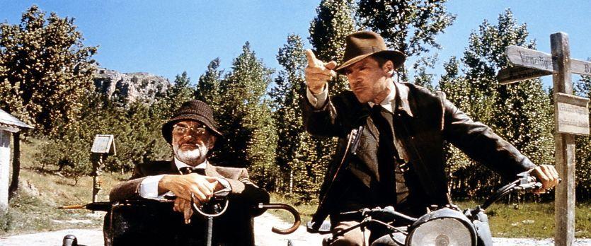 Indiana Jones und der letzte Kreuzzug - Zwischen Henry Jones (Sean Connery, l...