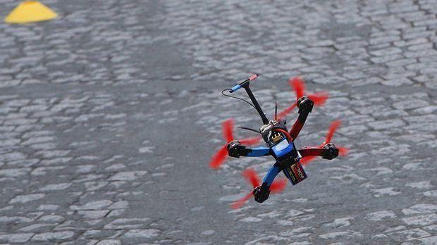 Drone-Racing-940