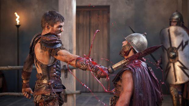 Ein Barbar rastet aus: Spartacus (Liam McIntyre) lehrt die Römer das Fürchten...