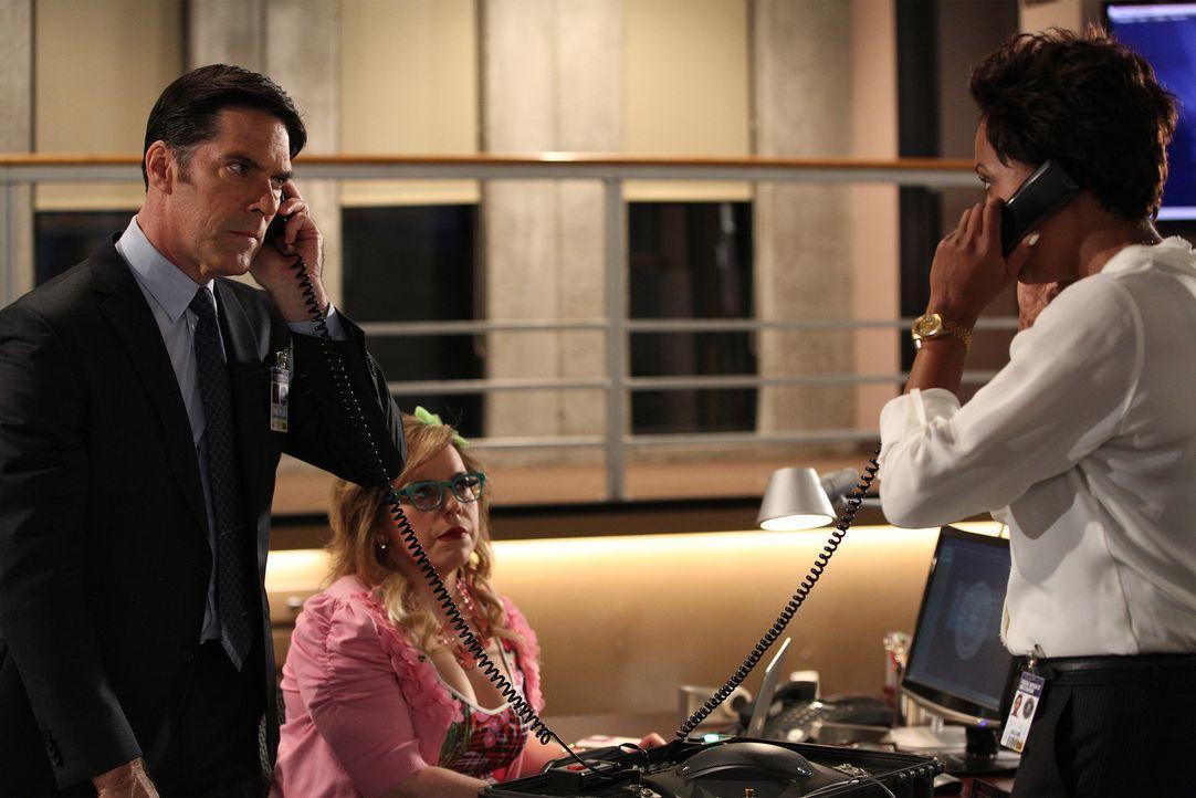 Zusammen versuchen sie, einen Serientäter zu fassen: Hotch (Thomas Gibson, l.), Garcia (Kirsten Vangsness, M.) und Dr. Tara Lewis (Aisha Tyler, r.)... - Bildquelle: ABC Studios