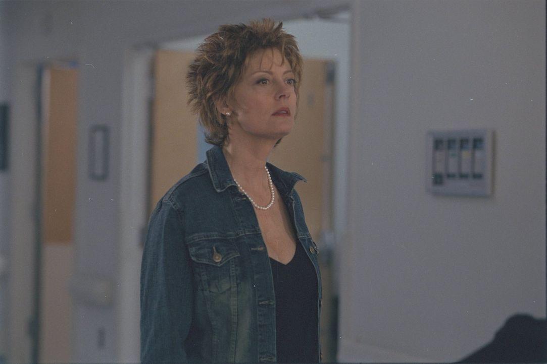 Ihr spießiges Leben wird durch Suzette gründlich durcheinander gebracht: Vinnie (Susan Sarandon) ... - Bildquelle: 2002 Twentieth Century Fox Film Corporation. All rights reserved.