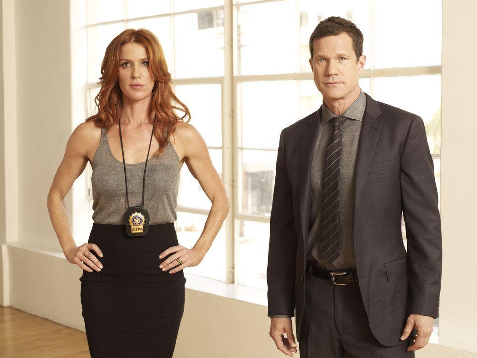 (1. Staffel) - Ermitteln gemeinsam beim NYPD: Detective Carrie Wells (Poppy Montgomery, l.) und Detective Al Burns (Dylan Walsh, r.) ... - Bildquelle: 2011 CBS Broadcasting Inc. All Rights Reserved.