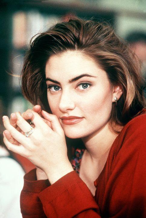 Tanya (Mädchen Amick) lebt gefährlich, denn ihre neue Liebe braucht zum Weiterleben ihr Blut ... - Bildquelle: Columbia Pictures