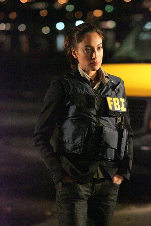Gemeinsam mit Don versucht Liz Warner (Aya Sumika) einen neuen Fall zu lösen ... - Bildquelle: Paramount Network Television