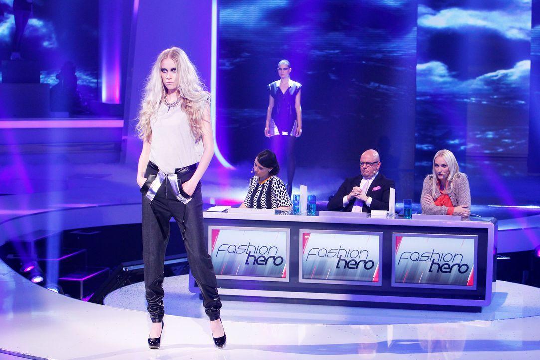 Fashion-Hero-Epi02-Gewinneroutfits-Jale-Jila-Pashottan-04-ASOS-Richard-Huebner-TEASER - Bildquelle: ProSieben / Richard Huebner